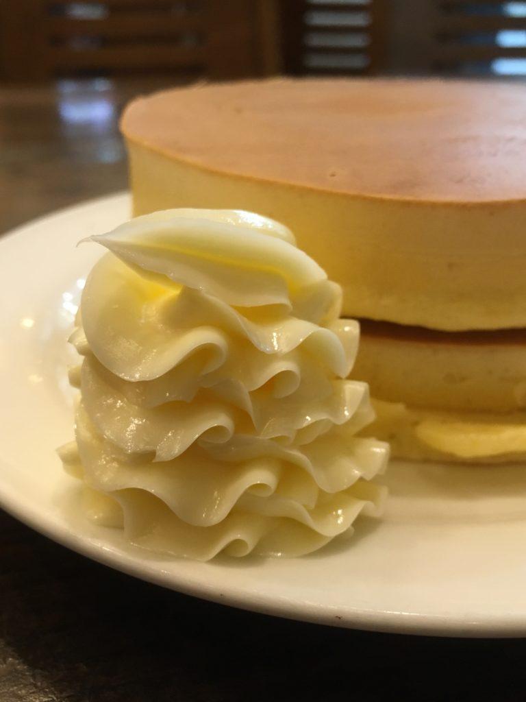 ルポーゼすぎのホットケーキについてるマーガリン
