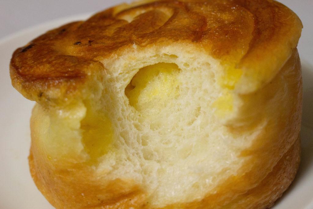 オーロール 調布 ベーカリー パン屋 切り株 商店街 焼き立てパン