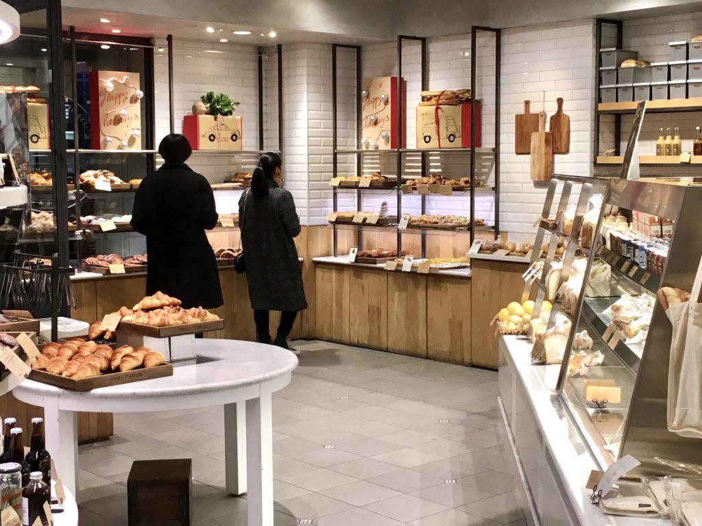 ブールアンジュ 渋谷 クロワッサン パンオショコラ 食パン クイニーアマン 店舗